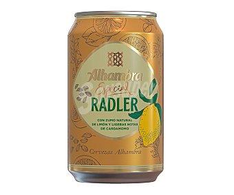 Alhambra Especial Radler cerveza rubia con zumo natural de limón Lata 33 cl