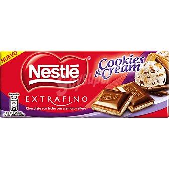 Nesté Extrafino Chocolate con leche con cremoso relleno  Cookies & Cream Tableta 98 g