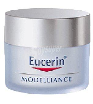 Eucerin Crema facial reafirmante Modelliance para pieles normales/mixtas con FP15 50 ml