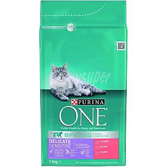 Purina One Alimento especial digestión sensible para gatos con salmón y arroz Bolsa de 1.5 kg