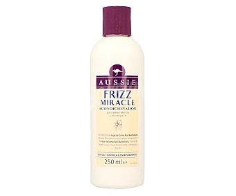 Aussie Acondicionador Frizz Miracle con extracto de hojas de Goma Azul Australiana  Frasco 250 ml