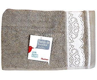 Auchan Toalla de algodón, estampado jacquard color marrón visón, 30x50 centímetros 1 Unidad