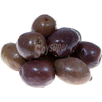 Aperitivos La Real Aceitunas variedad Morada aliñadas con ajo, orégano, pimiento y tomillo 100 gramos