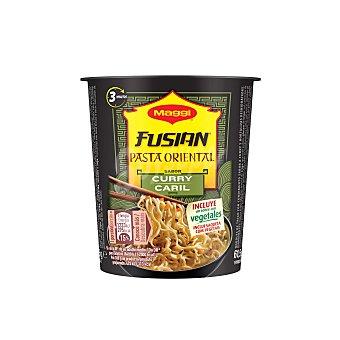 Maggi Pasta oriental (fideos fritos) con sabor a curry Vaso 62 g