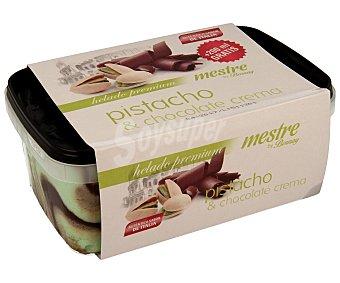 Bornay Helado de pistacho con chocolate cremoso 1200 mililitros