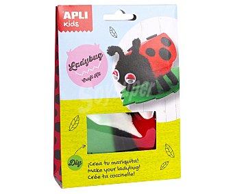 APLI Kit para construir un muñeco con forma de simpática mariquita a base de materiales para realizar manualidades APLI