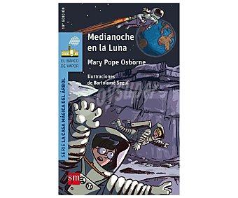 Editorial SM Medianoche en la luna, mary pope osborne. Género: infantil. Editorial: El barco de vapor azul