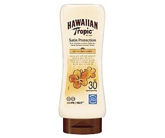 Hawaiian Tropic Leche solar protectora, con factor de protección 30 (medio) 200 ml