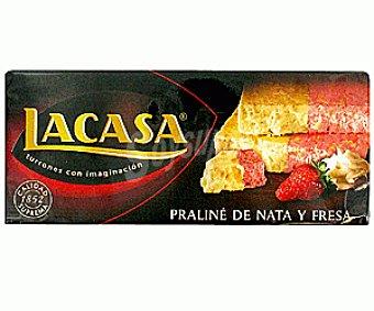 Lacasa Turrón praliné de nata y fresa 300 gramos