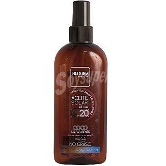 NIEVINA Aceite solar coco FP-20 antienvejecimiento con vitamina E resistente al agua spray 200 ml