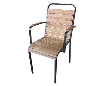 Ikone Silla apilable para jardín, con estructura y brazos de acero de color negro, respaldo y asiento en madera de eucalipto de alta calidad 100% FSC y tratada con aceite y medidas de 57.5x51.7x90 centímetros, modelo Easyway 1 unidad