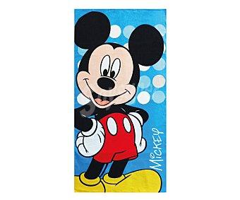Auchan Toalla infantil de playa con estampado diseño Mickey Mouse de Disney, 70x140 centímetros, tejido velour con densidad de 300 gramos/m² 1 unidad