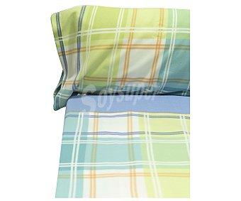Auchan Juego de sábanas tejido pirineo 100% poliéster con estampado de cuadros en tonos azules y verdes, 150cm., AUCHAN.