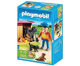 PLAYMOBIL Perros, cuidador y caseta Special Plus, modelo 5125 de 1 unidad