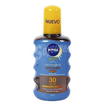 NIVEA SUN Protege & broncea aceite solar FP-30 resistente al agua  spray de 200 ml
