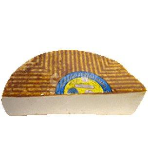 Queso majorejo semicurado con pimentón 380.0 g.