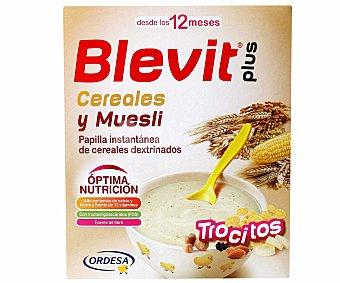 BLEVIT Plus Papilla instantánea de cereales con trocitos de muesli a partir de 12 meses 600 gramos