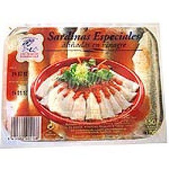 Ahumados Domínguez Sardinas especiales aliñadas en vinagre Envase 100 g neto escurrido