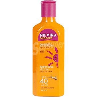 NIEVINA Suncare leche solar aloe vera FP-40 piel sensible resistente al agua  frasco 200 ml