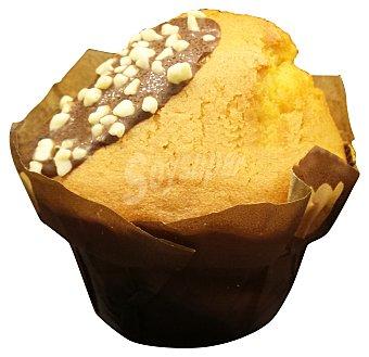 Europastry Muffin negro relleno horno (venta por unidades) 140 g ( 1 ud )
