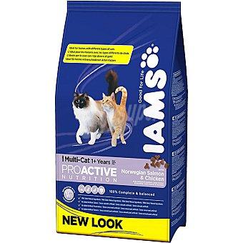IAMS PROACTIVE NUTRITION MULTI-CAT Alimento completo para gatos adultos de cualquier raza con salmón y pollo Bolsa 1,5 kg