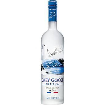 GREY GOOSE vodka detilado y embotellado en Francia  botella 70 cl