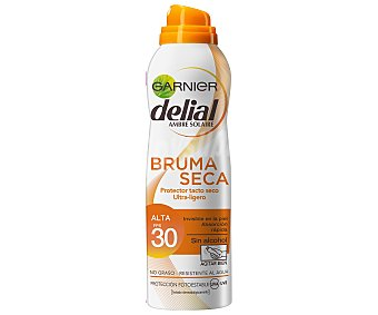 Delial Garnier Protector tacto seco FP-30 invisible en la piel absorción inmediata sin alcohol spray 200 ml resistente al agua Bruma Seca Spray 200 ml