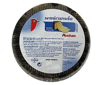 PRODUCTO ALCAMPO Queso mezcla semicurado 1400 gramos aproximados
