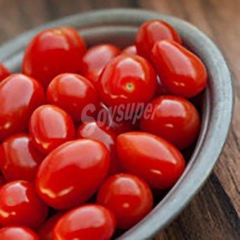 Tomate pera Bolsa de 500 peso aprox.