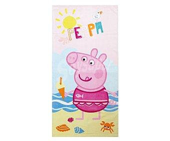 Auchan Toalla infantil de playa con estampado diseño Peppa Pig, 70x140 centímetros, tejido velour con densidad de 300 gramos/m² 1 unidad