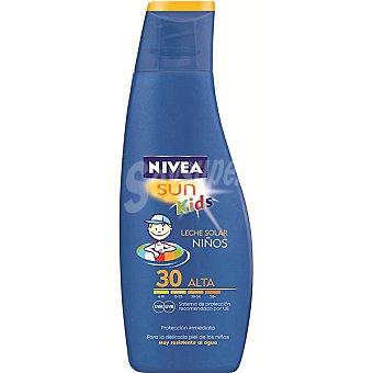 Nivea Sun Leche solar para niños FP-30 muy resistente al agua Sun Frasco 200 ml