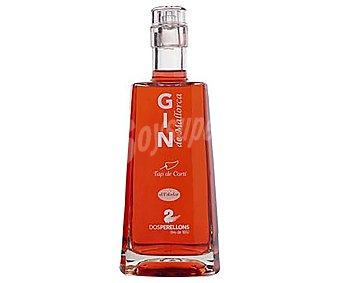 Dos Perellons Ginebra de color rojo elaborada en Mallorca Botella de 70 cl
