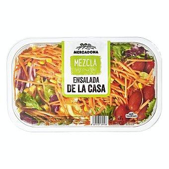 Verdifresh Ensalada de la casa ( lechugas variadas, rúcula, col lombarda, zanahoria, tomate cherry, maiz y aceitunas verdes) Tarrina 400 g