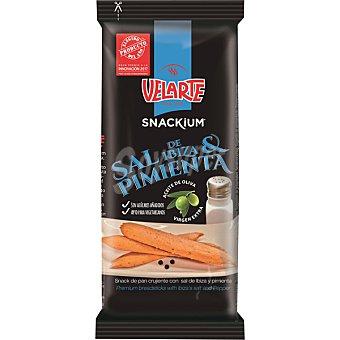 Velarte Snackium barritas de pan crujientes con sal de Ibiza y pimienta bolsa 67 g con aceite de oliva virgen extra bolsa 67 g