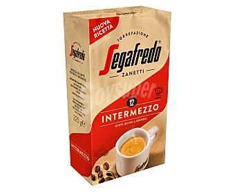Segafredo Zanetti Café tostado molido Intensidad 12 Intermezzo 225 g