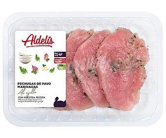 Aldelis Bandeja de pechuga de pavo marinadas con ajo y perejil 500 gramos aproximados