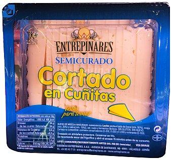 Entrepinares Queso semicurado mezcla cuñitas Paquete 200 g