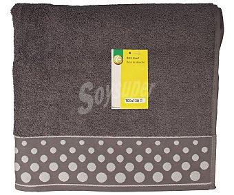 Productos Económicos Alcampo Toalla de baño color gris con cenefa estampado Topos, 100x130 centímetros. Toallas 100% algodón y densidad de 360 gramos/m² 1 unidad