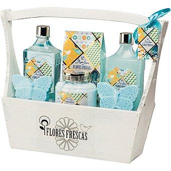 Shausa Caja de madera Flores Frescas con crema corporal 200 ml + sales de baño 200 ml + gel de baño 300 ml + baño de espuma 300 ml + 2 x 68g jabón 200 ml