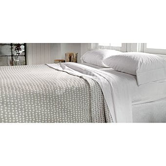 CASACTUAL  Colcha jaquard con cuadritos en color beige para cama 135 cm 1 Unidad