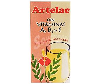 Artelac Preparado lácteo desnatada, enriquecido con vitaminas A, D3 y E 1 l