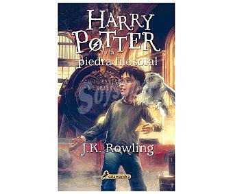 Juvenil Libro Harry Potter y la piedra filosofal, J.K. ROWLING. Género: juvenil, fantasía. Editorial Salamandra. Descuento ya incluido en PVP. PVP anterior: