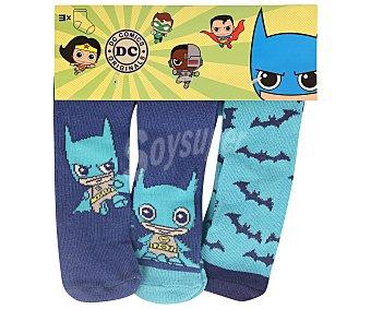 Dc comics Lote de 3 pares de calcetines de bebé color azul, talla 15/17.