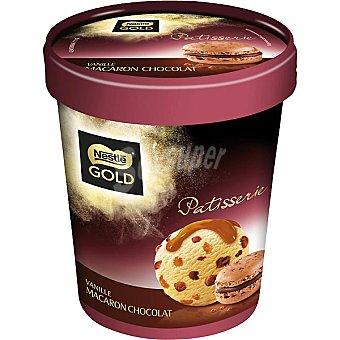 Gold Nestlé Helado de vainilla macarón y chocolate Patisserie Tarrina 440 ml