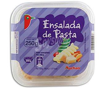 AUCHAN Ensalada de pasta con salsa vinagreta y fiambre de pavo (plato preparado pasteurizado refrigerado) 250 gramos
