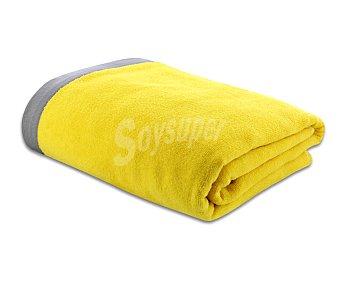 ACTUEL Toalla de playa lisa color amarillo, bordes superior e inferior color gris, 90x160 centímetros. Toallas con tejido velour 100% algodón y densidad de 360 gramos/m² 1 unidad