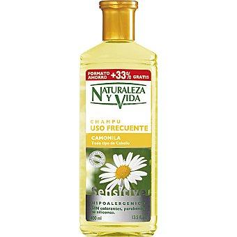 Naturaleza y Vida Champú de camomila Sensitive para todo tipo de cabello Frasco 300 ml