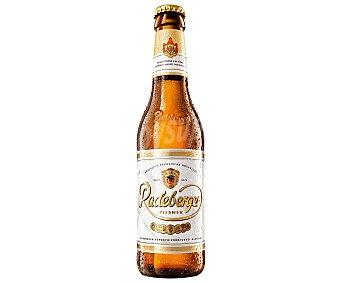 Radeberger Cerveza rubia alemana Pilsener Botella de 33 cl