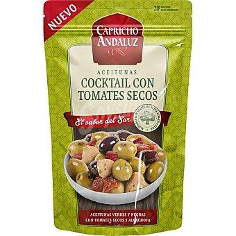 Capricho Andaluz Cóctel de aceitunas verdes y negras con tomátes secos y alcachofa aliñadas con aceite de oliva Bolsa 130 g neto escurrido